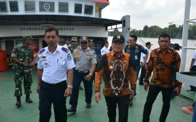 Wabub Kubu Raya Resmikan Ferry Teluk Malike - Jangkang